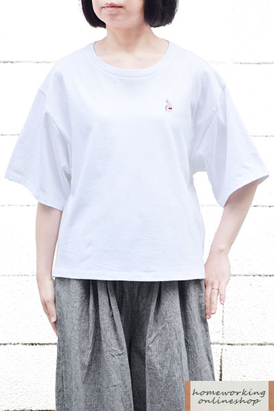 【再入荷】【メール便可1点まで】16/-天竺刺繍Tシャツ おばあちゃんとネコ(全2色)