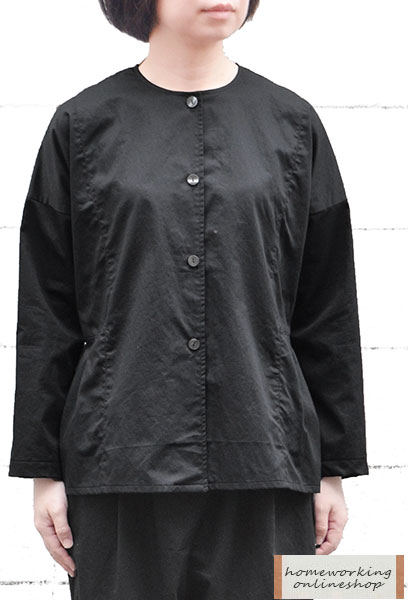 【メール便送料無料】高密度サテン切替タックジャケット(ブラック)