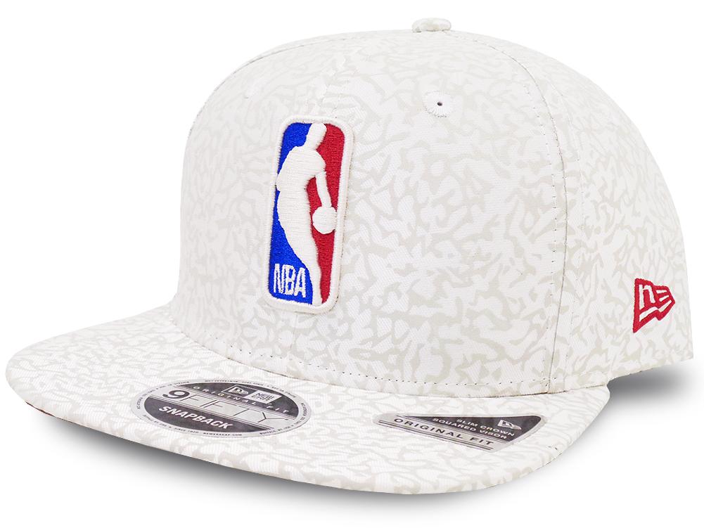 CN188 ニューエラ NBA ロゴマン スナップバックキャップ New Era Logo Snapback Cap 帽子 アイボリー赤