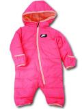 BY234 ベビー ナイキ スノースーツ Nike Winter Puffer Hooded Snowsuit Coverall 中綿カバーオール ベビー服 赤ちゃん ネオンピンク黒