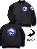 NJ347 メンズ Ultra Game NBA Philadelphia 76ers Varsity Wool Jacket ウルトラゲーム フィラデルフィア・セブンティシクサーズ 中綿ジャケット スタジャン アントラシート黒