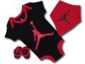 BH853 べビーAir Jordan Infant Set ジョーダン ロンパース 3点セット 赤ちゃん ベビー服 ギフトセット 黒赤【箱付き】