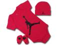 BH867 べビー ジョーダン ロンパース 3点セット Jordan Infant Set 帽子 靴下 ギフトセット 赤黒【箱付き】