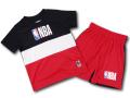 BP997 キッズ 子供用 NBA ロゴマン トレーニングTシャツ&ショーツ セットアップ Logo Basketball Toddler Set 黒赤白 【メール便対応】