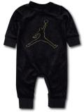 QZ403 【海外取り寄せ】 ベビー Jordan Coverall ジョーダン ベロア カバーオール 赤ちゃん ベビー服 黒メタリックゴールド