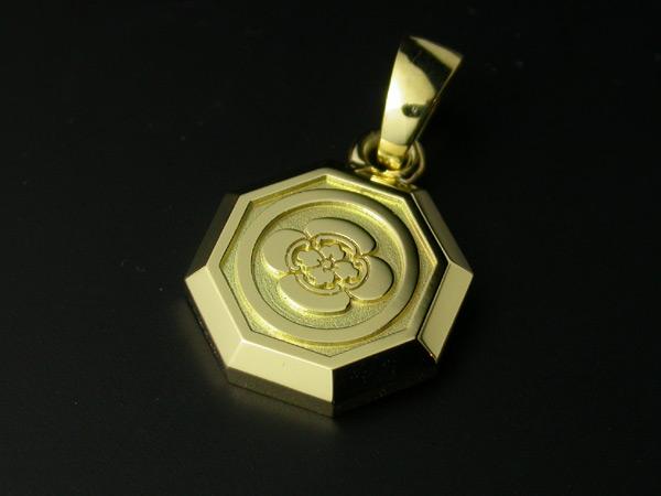 家紋ペンダント・八角・小・K18金ゴールド・松コース