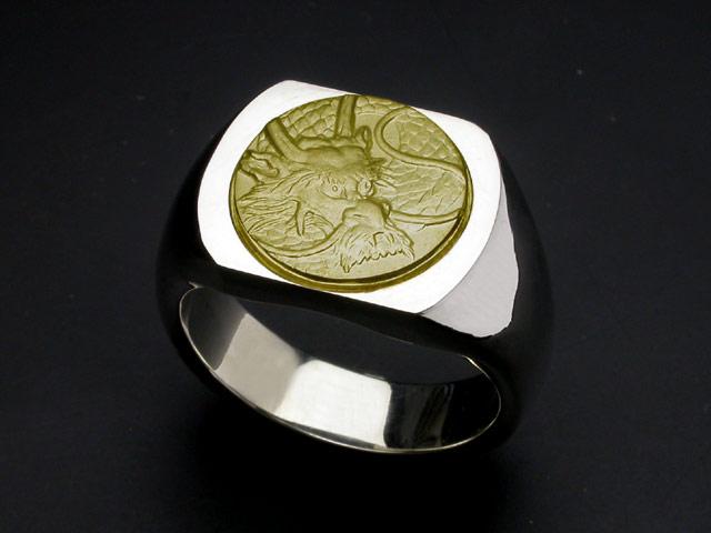 龍紋リング・印台・K18ゴールドエンブレム