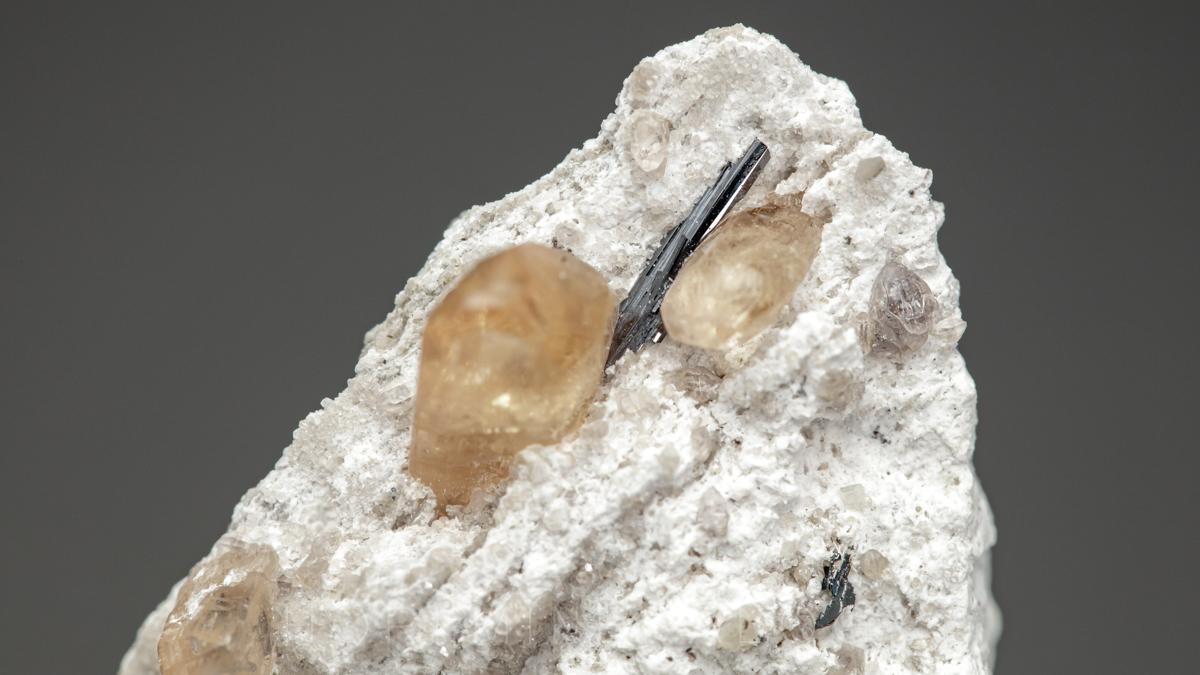 擬板チタン石