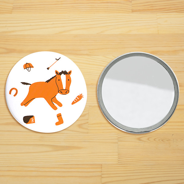 リトルアニマル コンパクトミラー「馬と馬具とにんじんと」