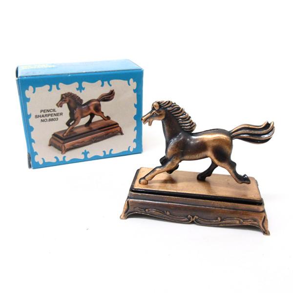 手のひらサイズ・ブリキのミニチュア馬(鉛筆削り付)