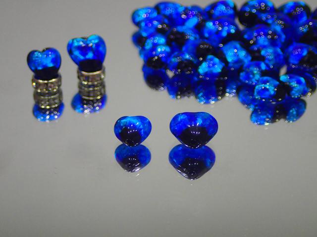 ハート 黒・スーパーブルー 8mm玉 最安値 1個 180円~ 夜光ホタルガラス【ネコポス便可】