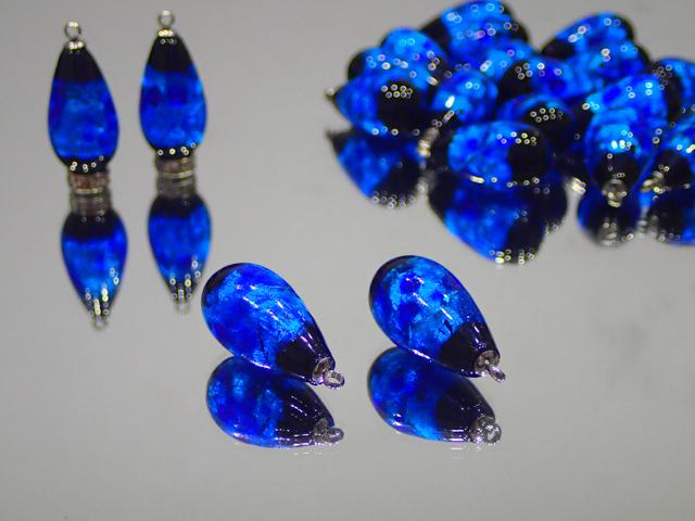 片穴しずく(ステンレスヒートン付き) 黒・スーパーブルー 12mm×23mm 最安値 1個 300円~ 夜光ホタルガラス【ネコポス便可】