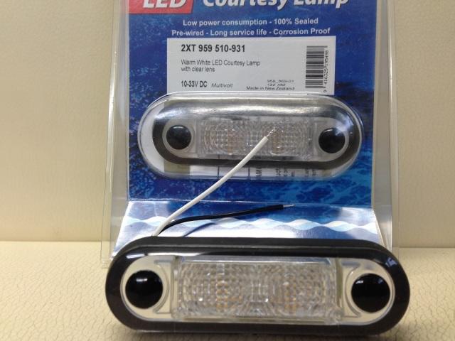 【個数限定大特価】HELLA LED Step Lamp マルチボルテージ 4個セット