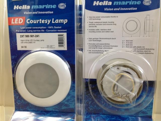 【個数限定大特価】HELLA WarmホワイトLED 24v ホワイトプラスチックリム 3個Set