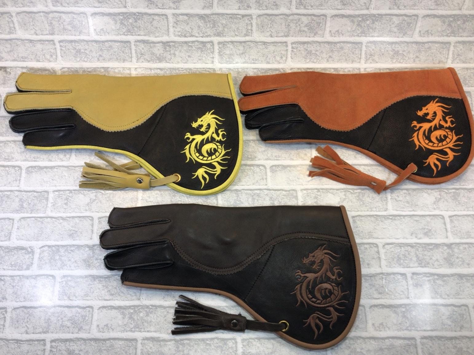 ファルコングローブ ドラゴン刺繍