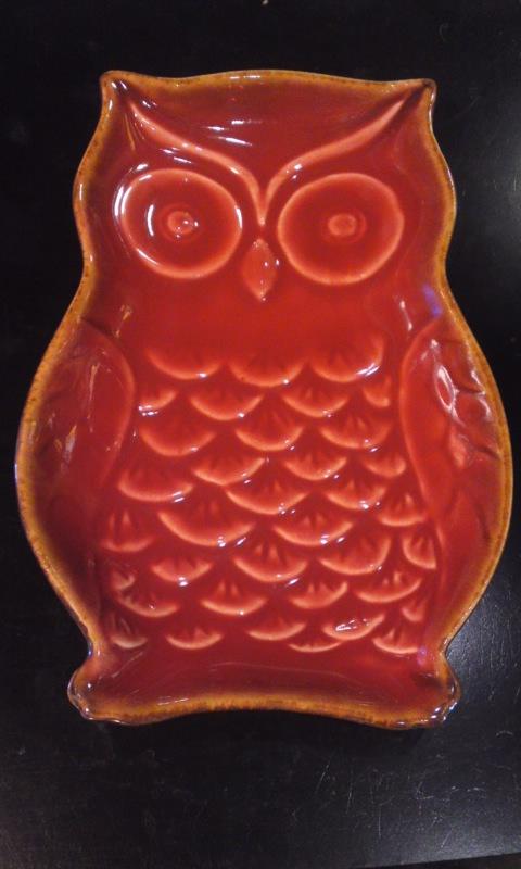 """雑貨"""" フクロウのお皿  陶器製  赤色 大きめ"""