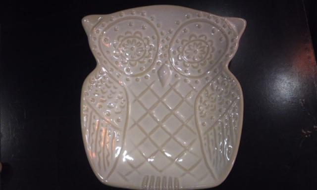 雑貨 ふくろうのお皿  陶器製  ホワイト