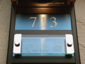 クリスタルレーザー表札 ベース プラチナブルー サイズオーダーOK あなたのマンションにジャスフィット