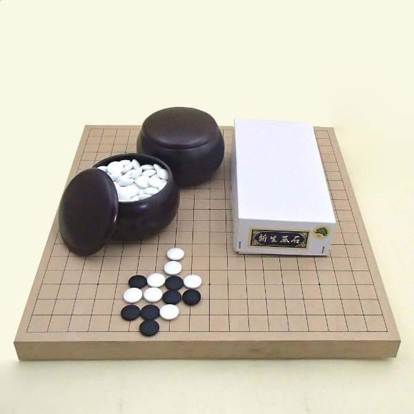 囲碁セット 新桂10号卓上接合碁盤と新生松碁石と銘木特大36号碁笥