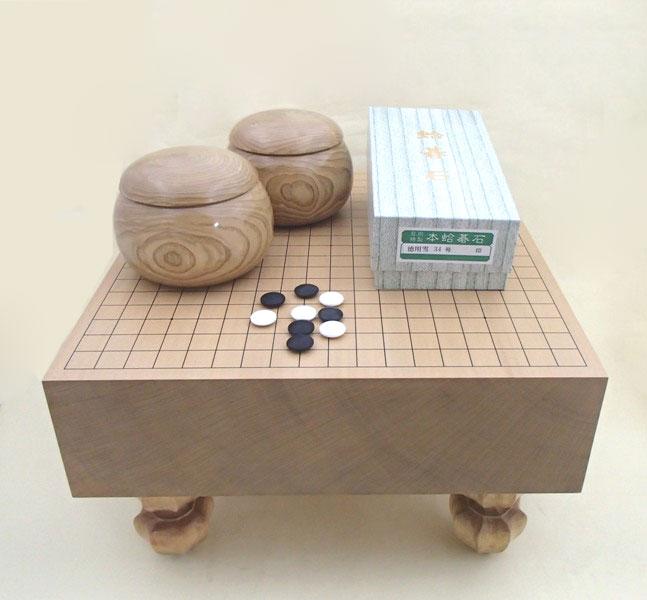 囲碁セット 新桂4寸足付碁盤と徳用雪蛤碁石と木製栗特大