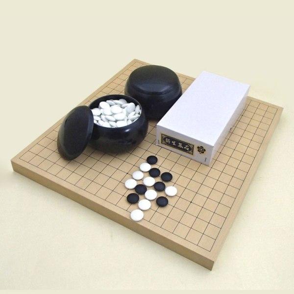 囲碁セット 新かや10号卓上接合碁盤竹(約9mm厚)と新生碁石梅とP碁笥黒大