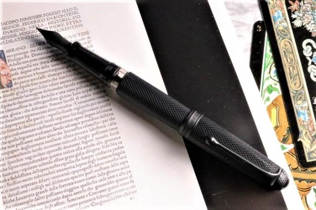 アウロラ 限定生産品 88 ブラックマンバ 万年筆