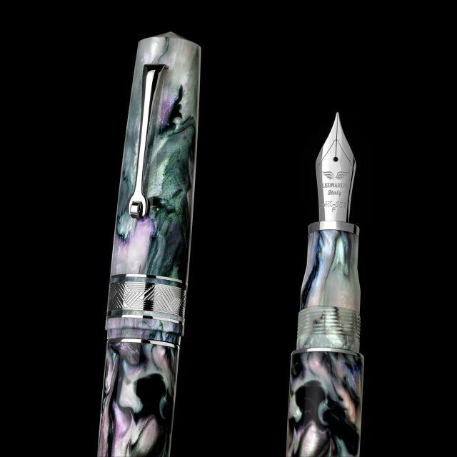 レオナルド 限定生産品 モーメントゼログランデ プライマリーマニュピレーション マザーオブパール ロジウムトリム 万年筆