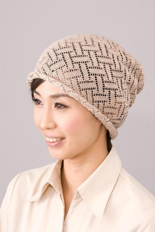 シルク100%ニット帽子 ざっくり編んだ、レース風の透し柄