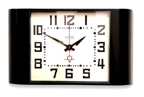 レトロなデザインが魅力です! NEWGATE 掛け時計 METROブラック METRO28K