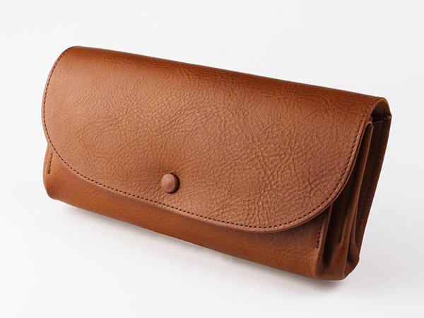 柔らかいレザーと収納力が魅力! レザーくるみボタン長財布 アリゾナ