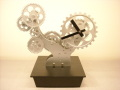 ゆっくり回る歯車が心を休める ギア置時計BONSAI