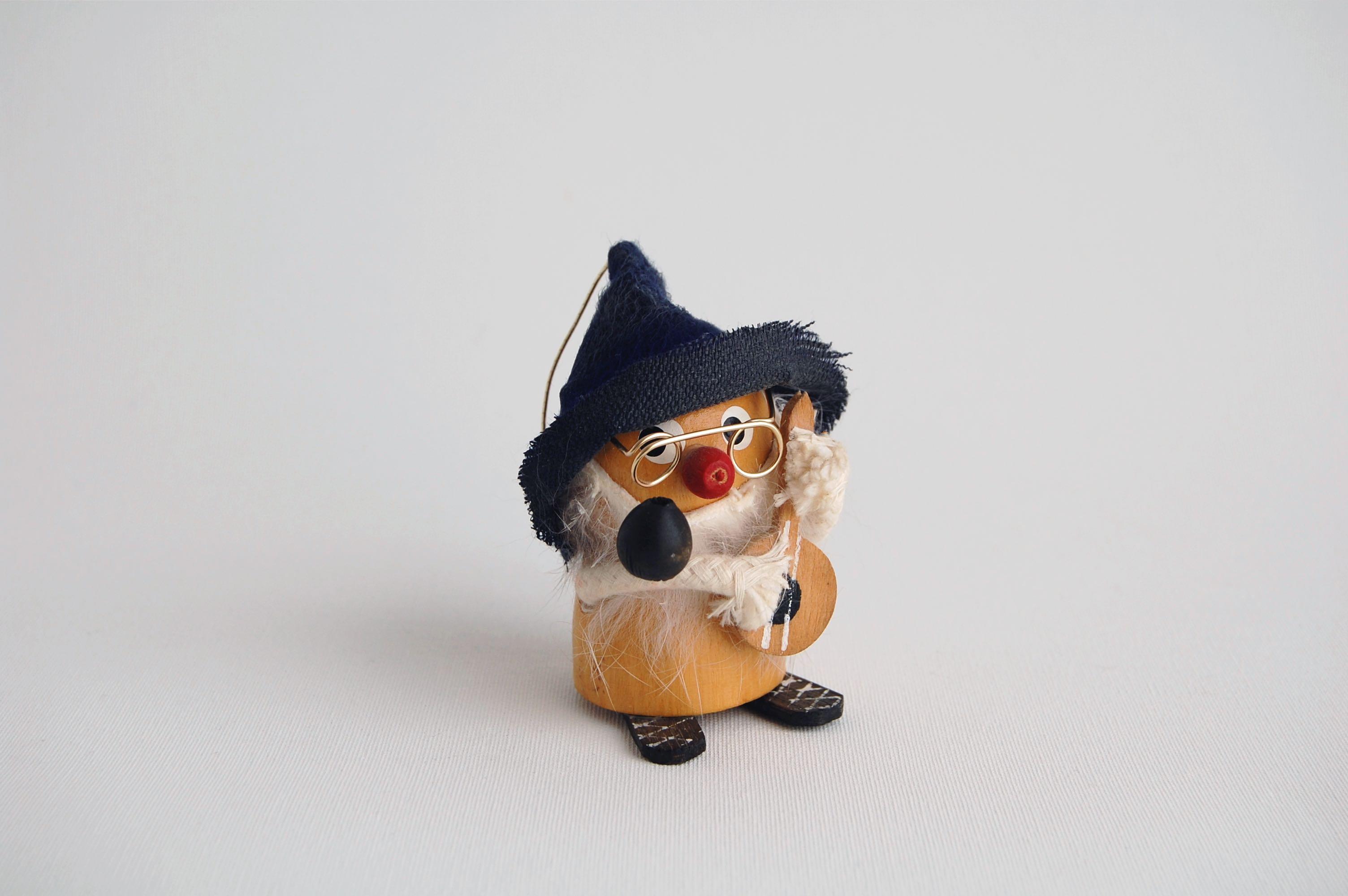 小人の木製人形/青い帽子 (Sweden)