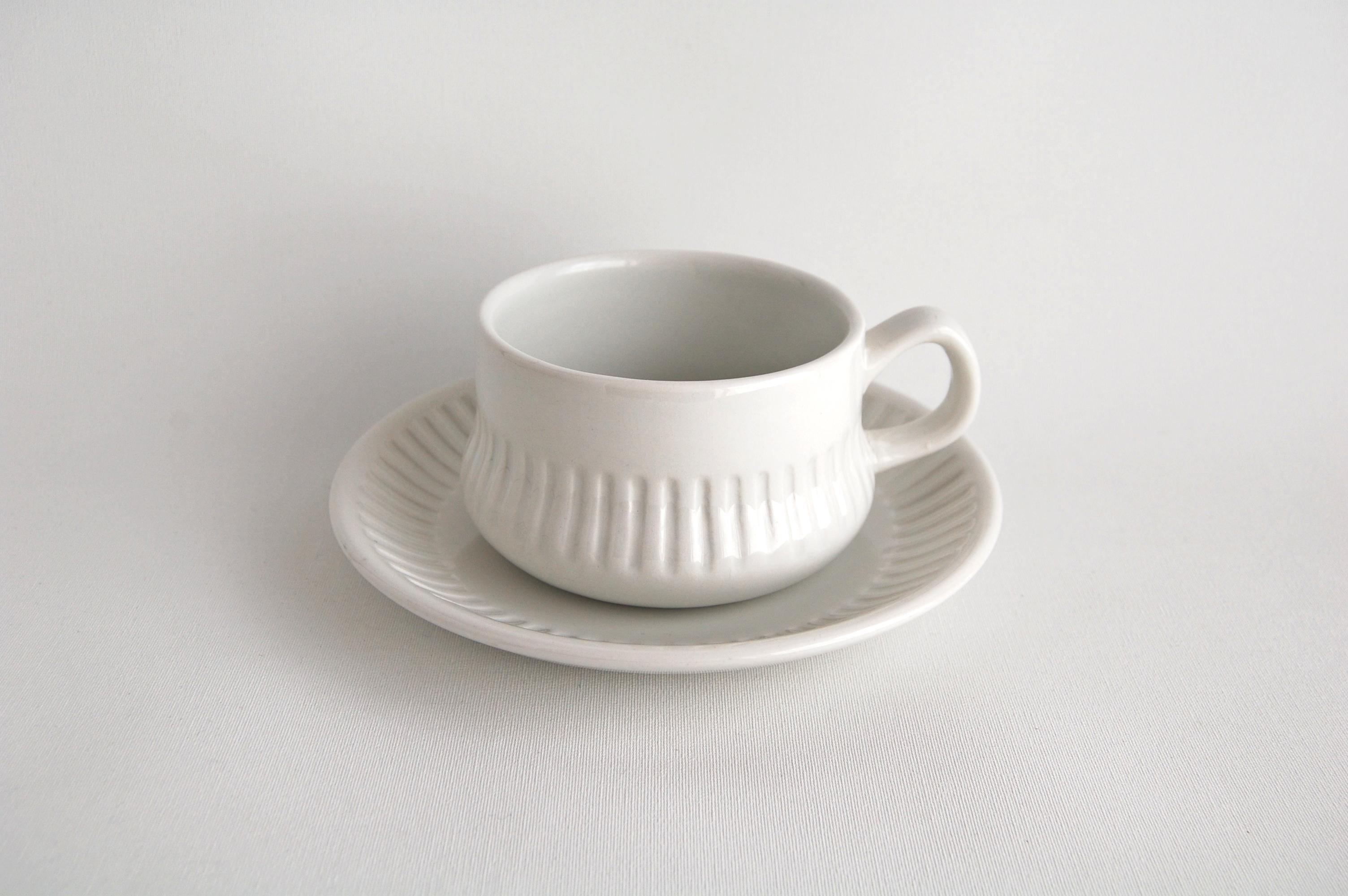Gefle/ゲフレ ホワイトのティーカップ&ソーサー 001
