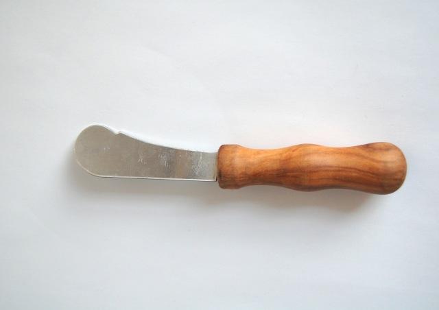 デンマークで見つけたチーク材のバターナイフ 001