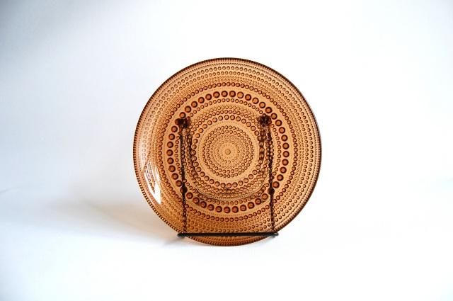 Nuutajarvi/ヌータヤルヴィ Arabia/アラビア Kastehelmi/カステヘルミ ブラウン 17.4cmプレート 001