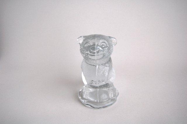 クマのガラスのオブジェ/ペーパーウェイト(Sweden) 001