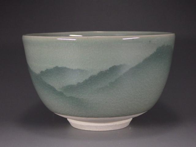 山上義正(九谷焼青磁連山抹茶茶碗)