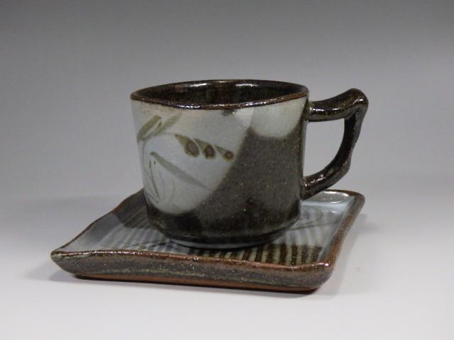 岸岳窯(唐津焼皿付きカップ)