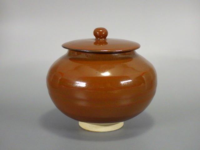 小山岑一(鎌倉柿釉蓋付小壺)