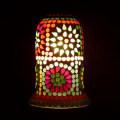 <送料無料>色鮮やかな小さなガラスを石膏に埋め込んで 1つ1つ手作りで造られたランプ。【ICTP646502】
