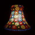 <送料無料>色鮮やかな小さなガラスを石膏に埋め込んで 1つ1つ手作りで造られたランプ。【ICTP8167】