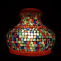 <送料無料>色鮮やかな小さなガラスを石膏に埋め込んで 1つ1つ手作りで造られたランプ。【ICTP950302】