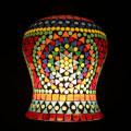 <送料無料>色鮮やかな小さなガラスを石膏に埋め込んで 1つ1つ手作りで造られたランプ。【JCIP4707】
