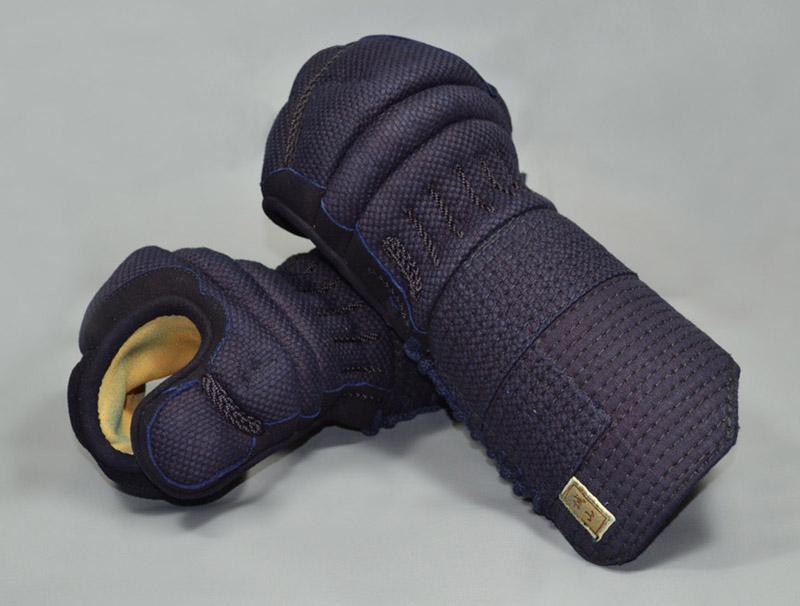 【誠山甲手】 5ミリ織刺甲手 爪革付 手の内クスベ革・白鹿革