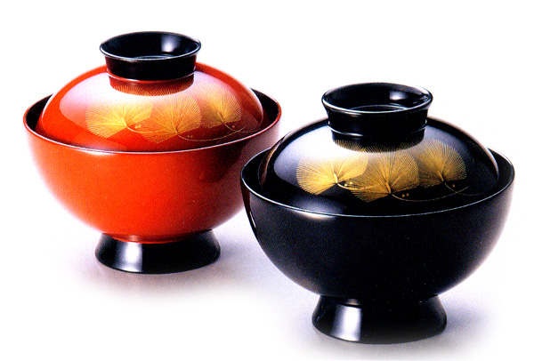 夫婦椀 沈金枝松 朱・黒(製造中止) 木製 漆塗り ペアの吸物椀