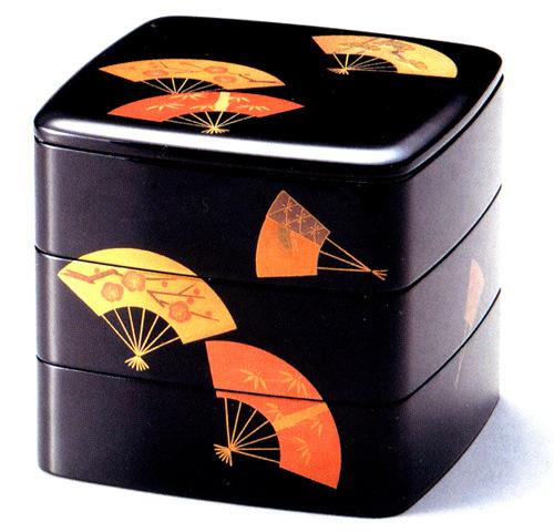 6.5三段重箱 扇面松竹梅 黒内朱 【送料無料】 木製 漆塗りお重箱