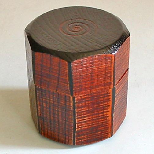 茶筒 ノミ目亀甲 黒 木製 漆塗り