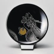 飾り皿(小) 龍 黒 スタンド付 【送料無料】 漆塗り・木製