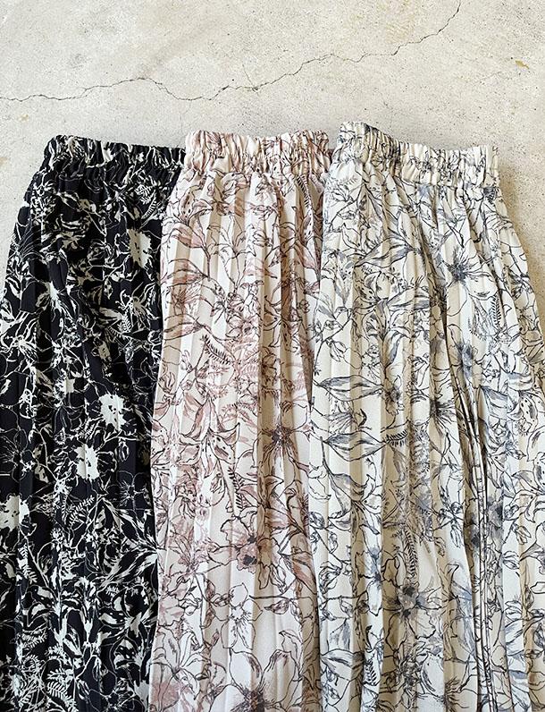 【イタフラバーゲン】 繊細デザインが大人可愛い!線描き花柄プリントプリーツスカート