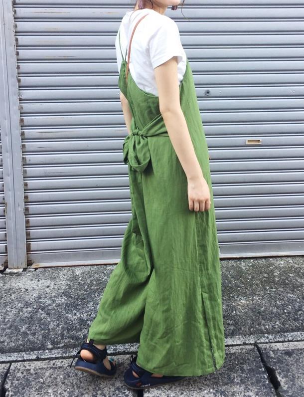 【7/12在庫ある分で終了予定】  【品薄】 人気シリーズ 『 後ろ美人服 』 にオールインワンが登場。 どっしりとした素材感とディテールが可愛い真夏の逸品。